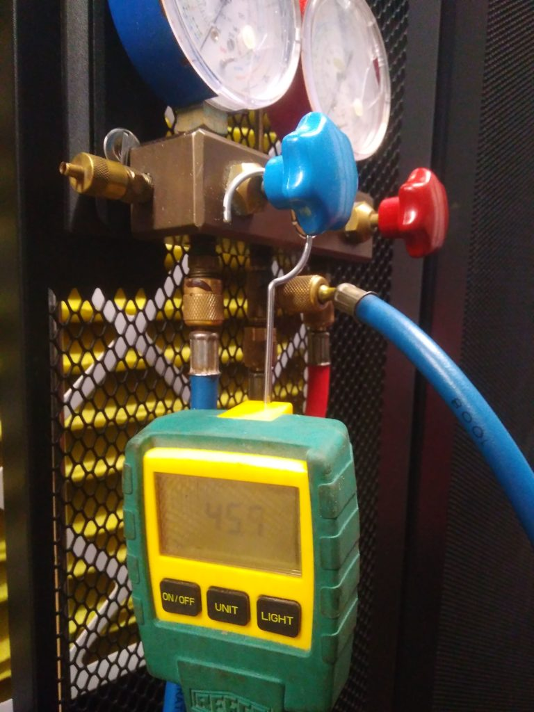 Процесс вакуумирования прецизионного кондиционера